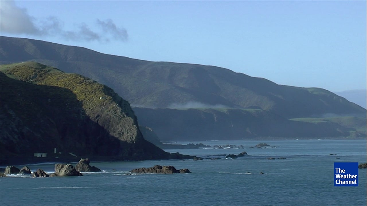 New Zealand's Islands Inching Closer Together