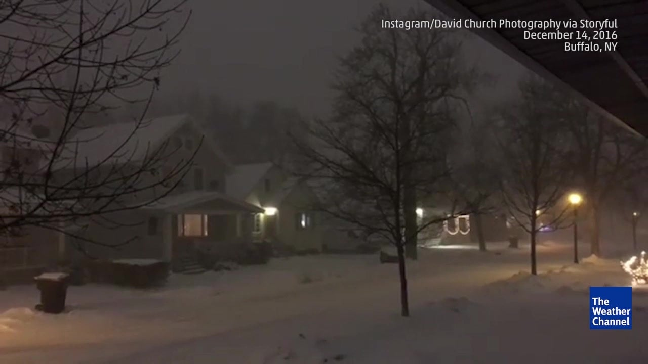 snowy thunderstorm in buffalo  ny