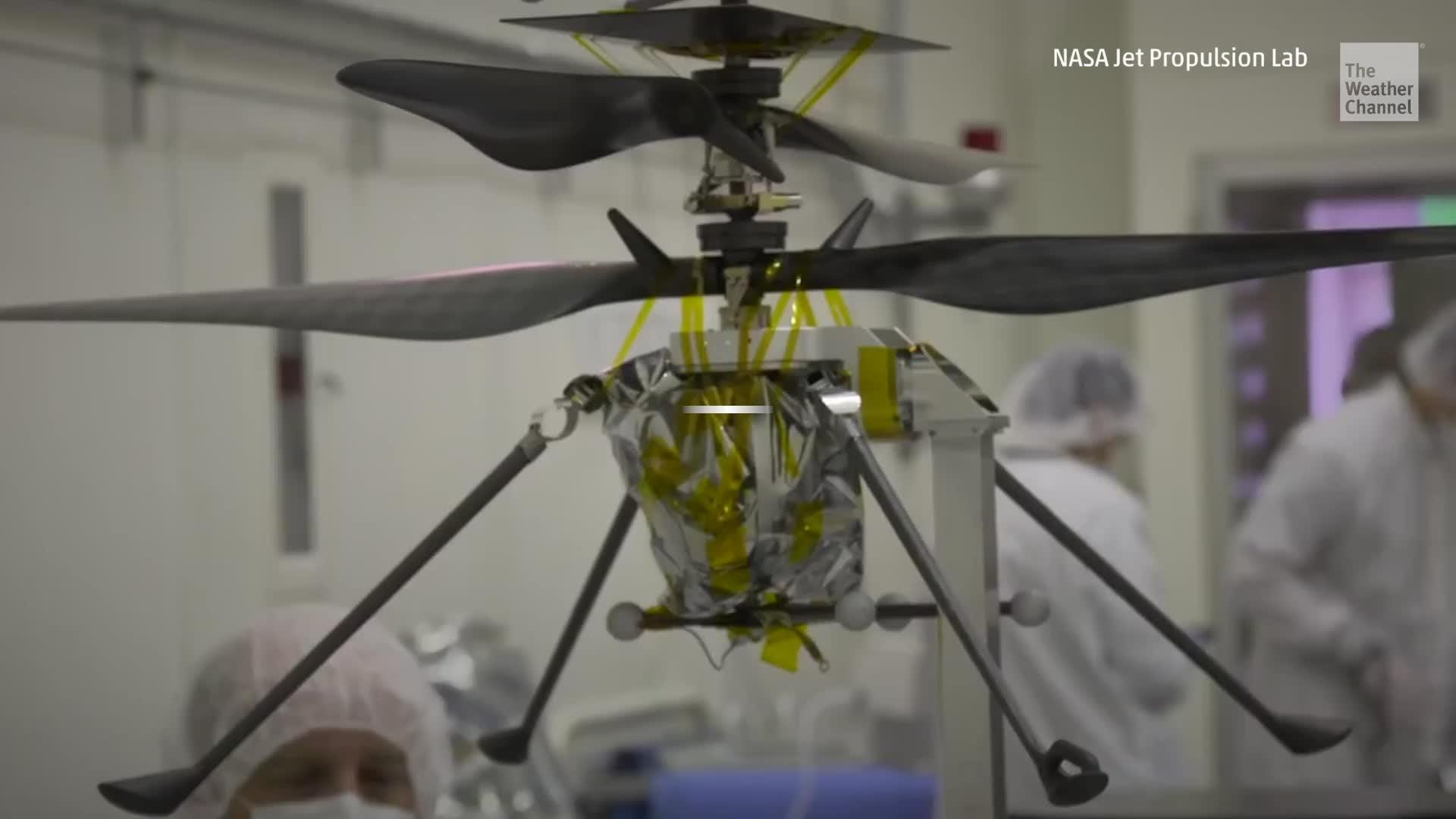 El primer helicóptero de la NASA para Marte está en su fase final de pruebas antes de la misión de 2020. La pequeña aeronave autónoma de 4 libras de peso es crucial para futuras exploraciones en el Planeta Rojo.