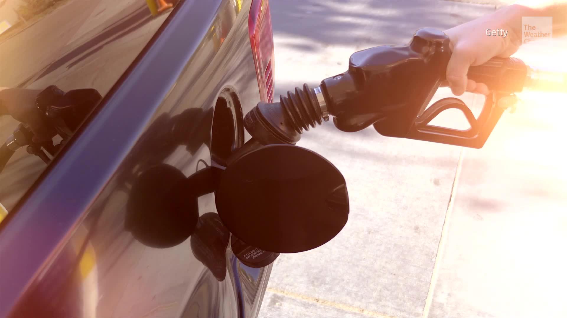 El precio del petróleo sube a medida que los productores comienzan a evacuar al personal de las plataformas en el Golfo.