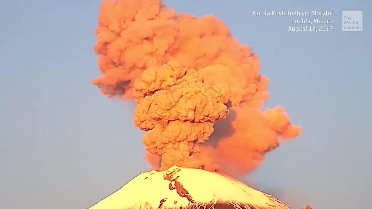Multiple Eruptions in 24 Hours at Mexico's Popocatépetl Volcano