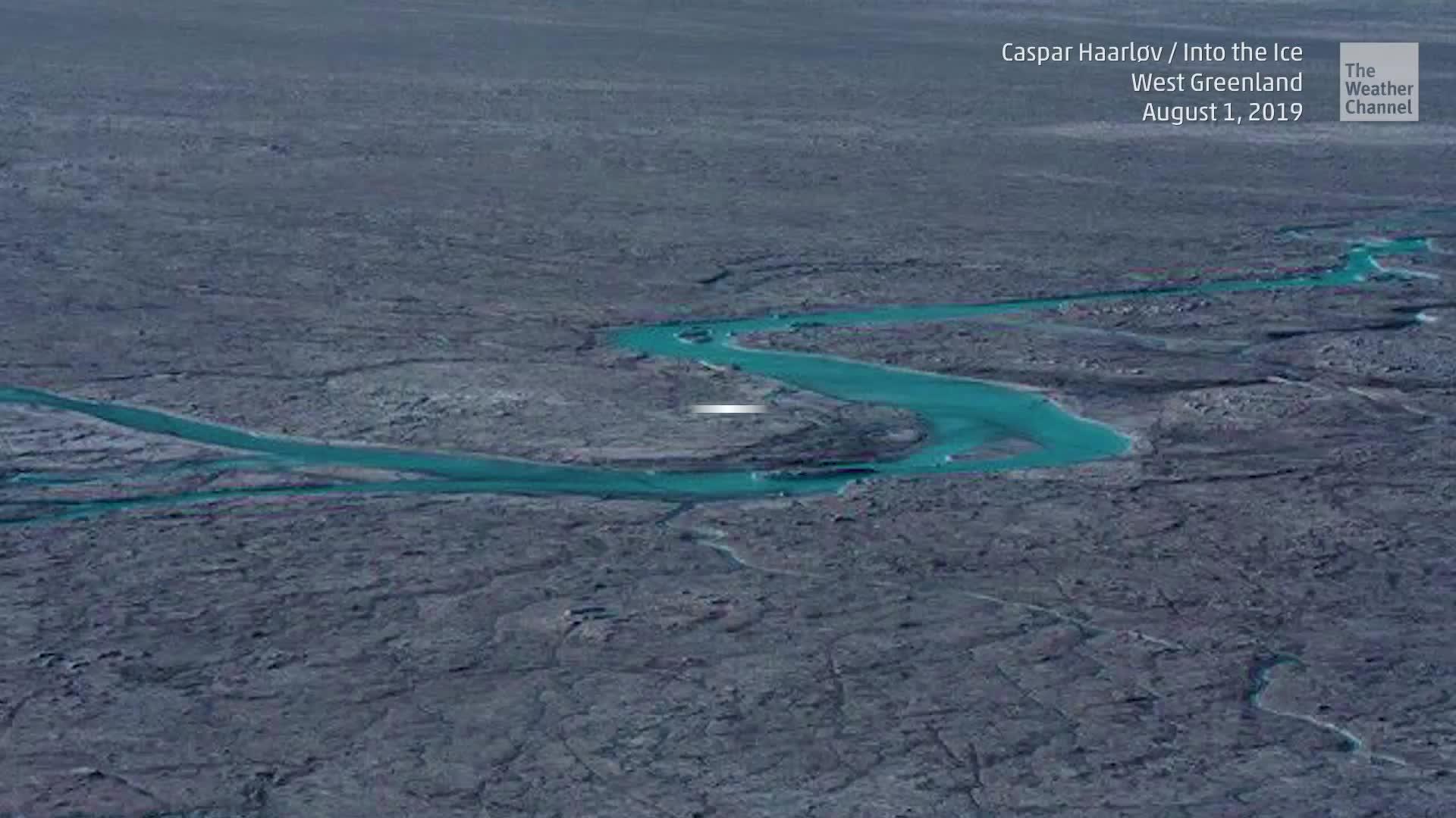La capa de hielo de Groenlandia sufrió una pérdida asombrosa este mes.