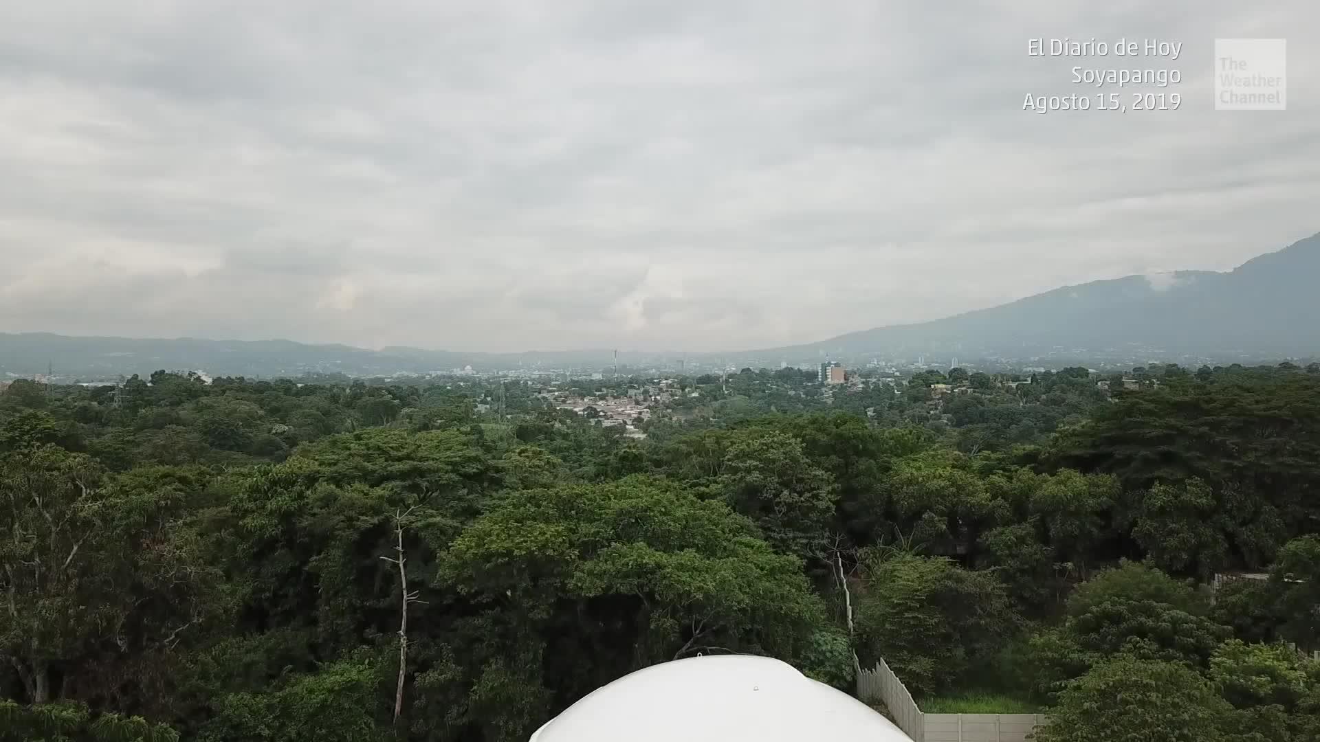 La Universidad Don Bosco de El Salvador inauguró su Observatorio Micro Macro para desarrollar la investigación en la biología y astronomía. Cuenta con el apoyo técnico y financiero de la Fundación Karlheinz Wolfgang para la Salud y la Educación.