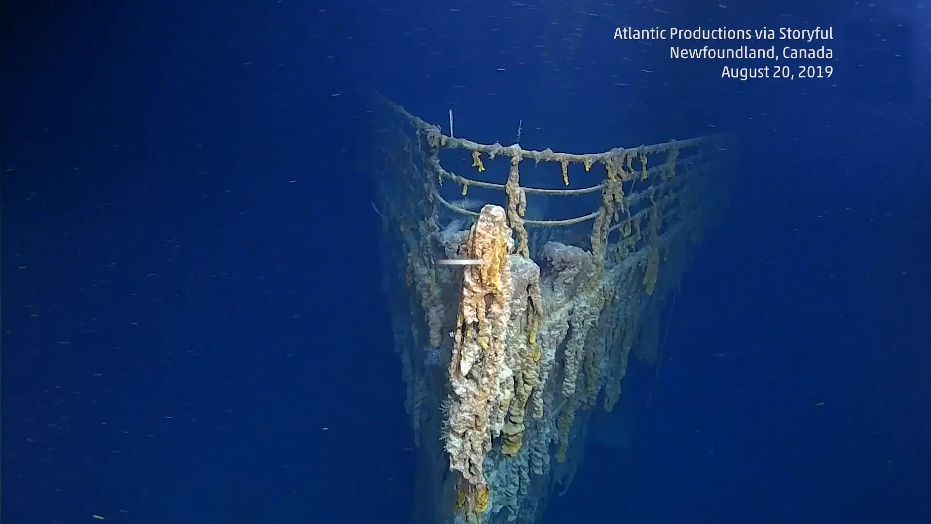 Un equipo documental que regresó al naufragio del Titanic en el Atlántico Norte ha regresado con imágenes impactantes que muestran el deterioro del barco.