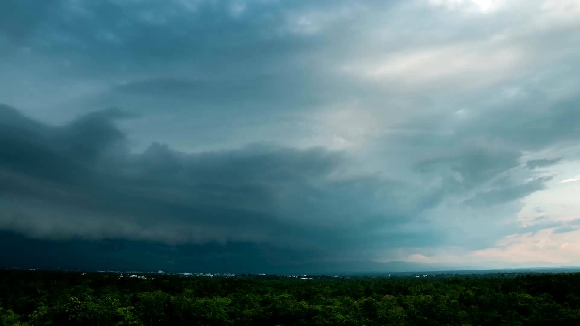 Allergies and Asthma Could Worsen During Thunderstorms