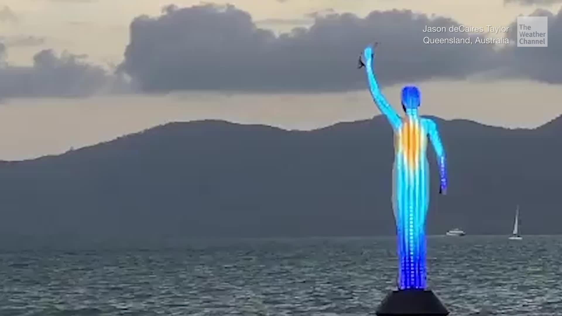 Escultura ayuda a controlar la salud del famoso arrecife