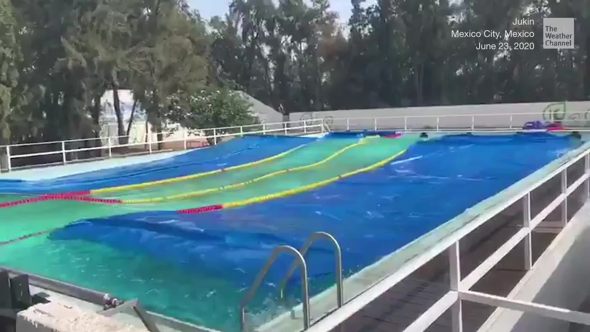 Mira el terremoto de México haciendo olas en la piscina