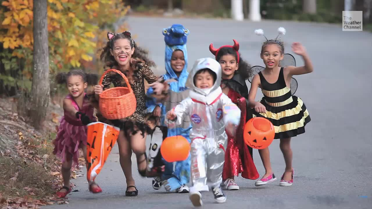 CDC Discourages Trick-or-Treating This Halloween