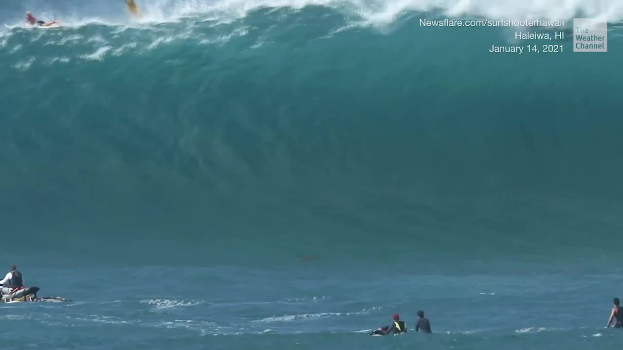 Surfers Take on 40-Foot Swells in Hawaii - Videos from The Weather Channel | weather.com