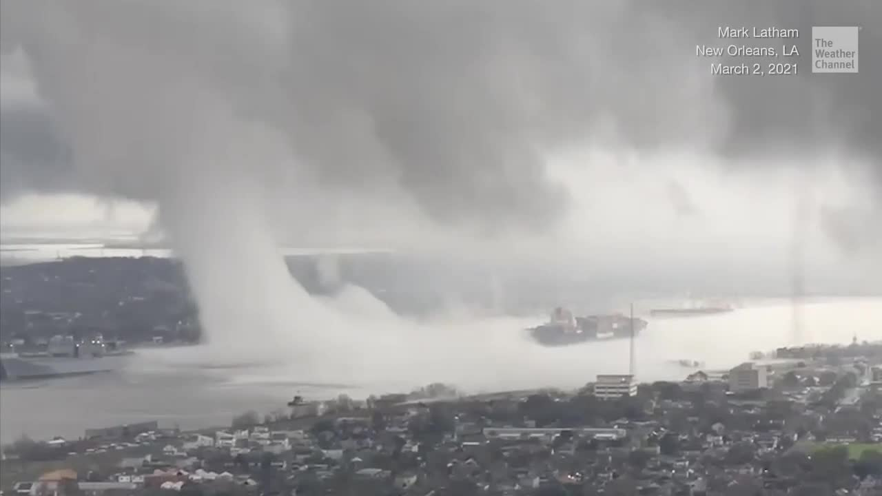 Strange Looking Clouds over the Mississippi River in New Orleans - Videos from The Weather Channel   weather.com
