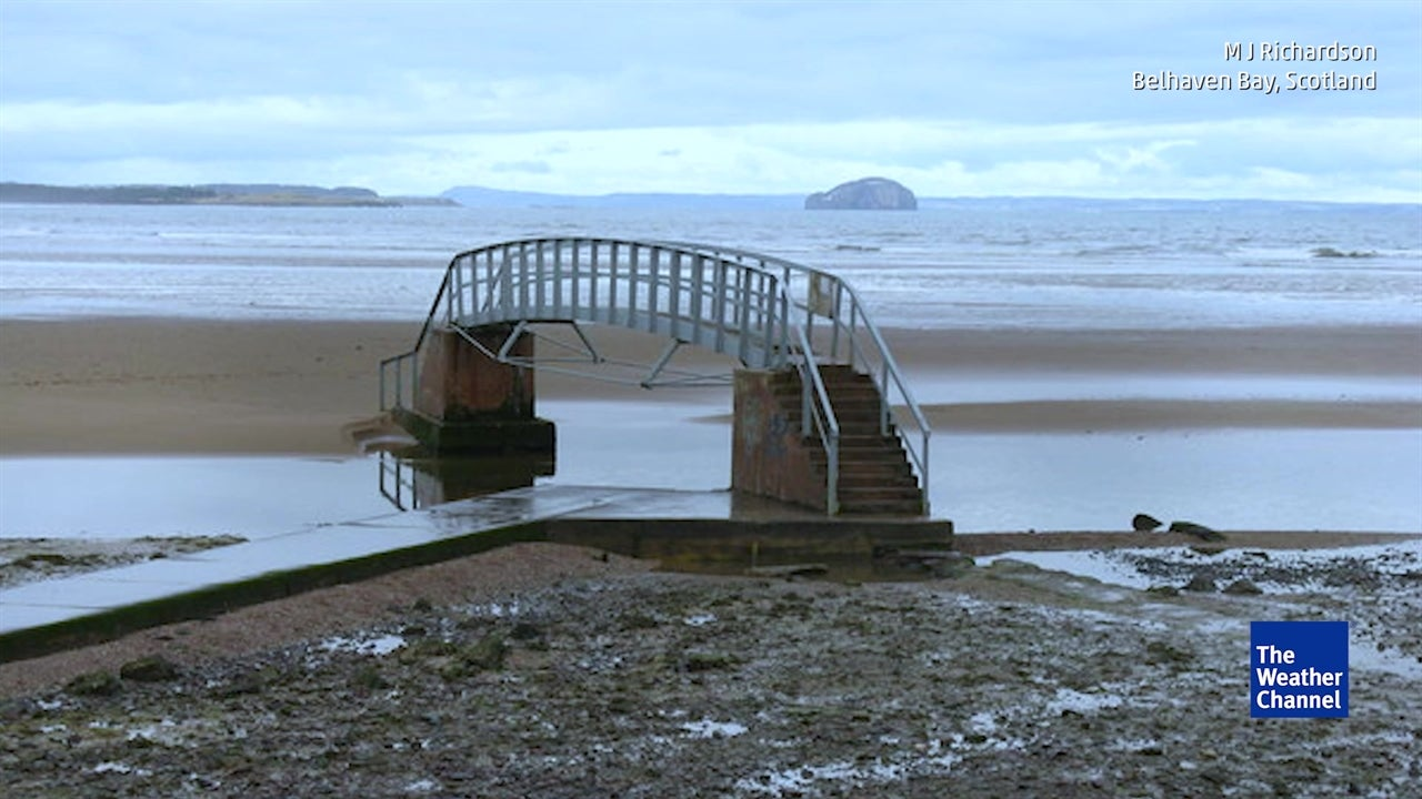 Footbridge in Scotland Disappears Every Day