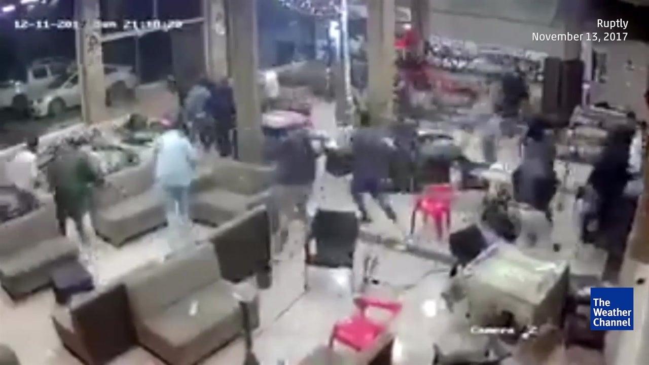 Earthquake chases bar patrons away