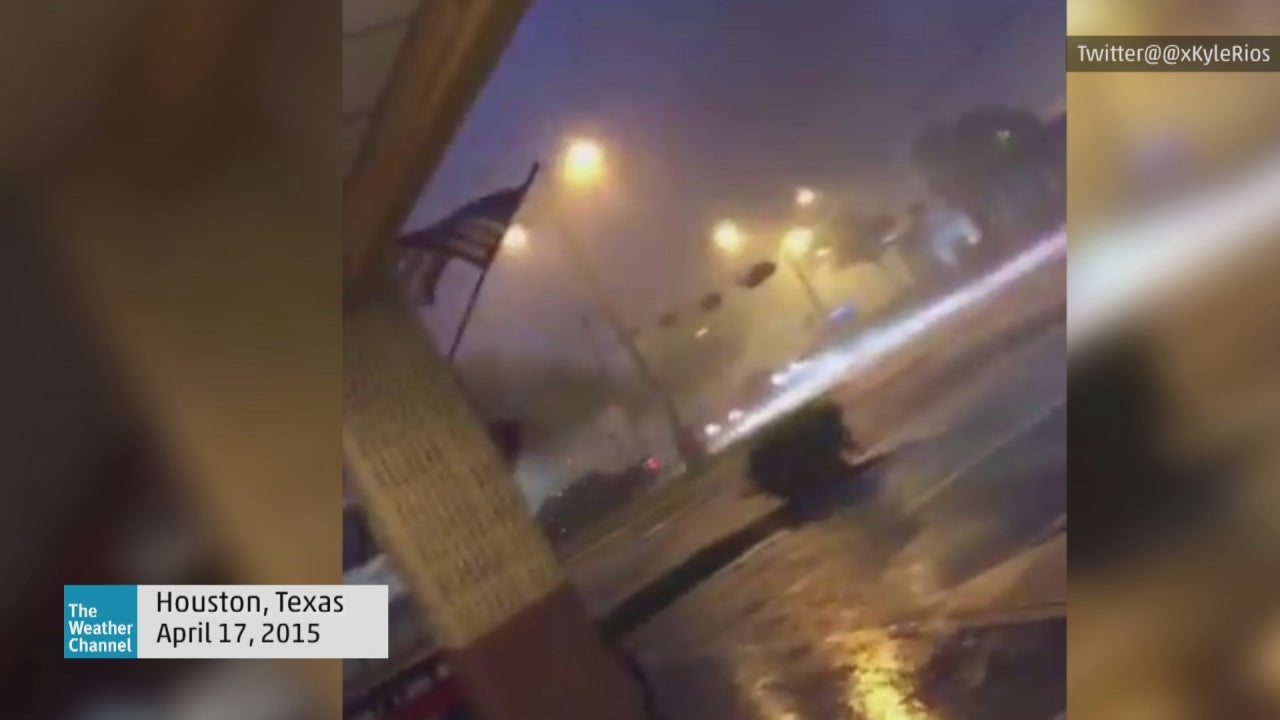 thunder  lightning  heavy rain  wind in houston  texas