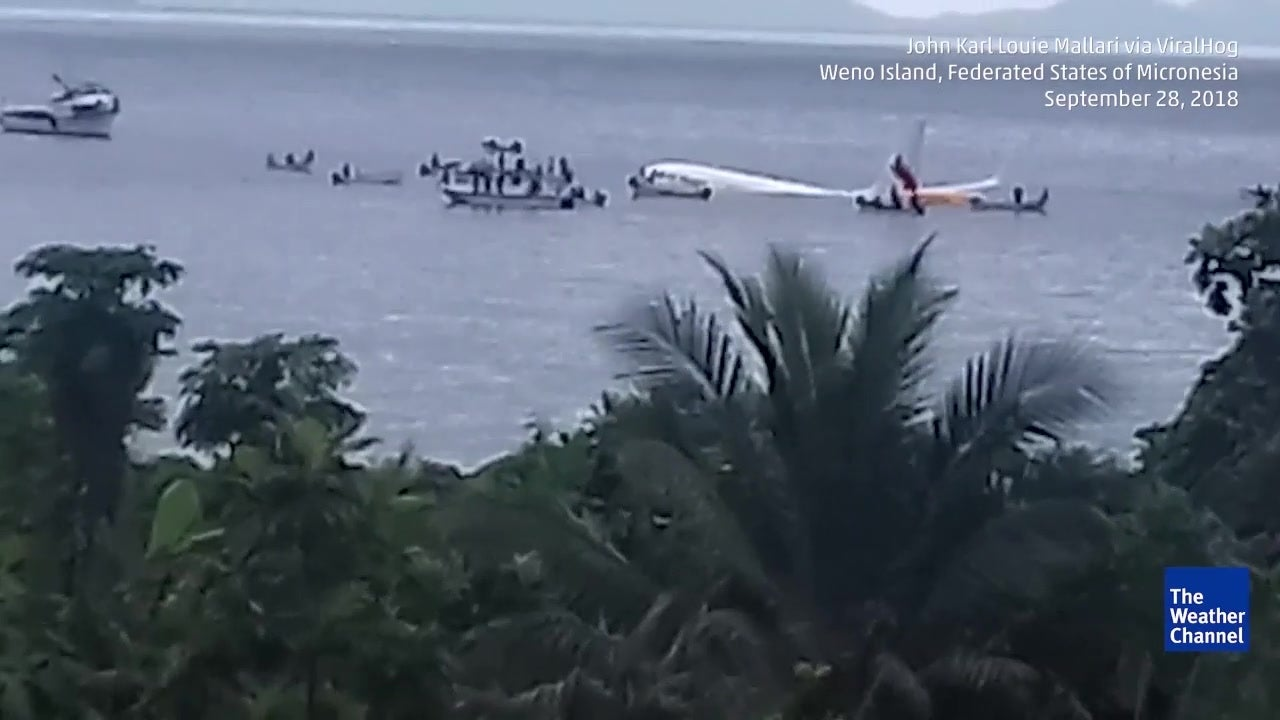 Todesopfer bei Bruchlandung: Flugzeug landet in Pazifik-Lagune
