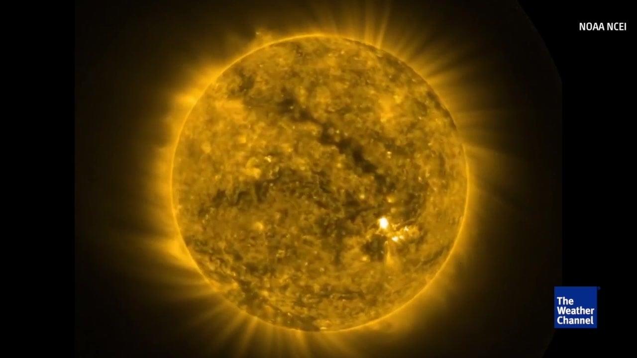 noaa u2019s goes east satellite captures full rotation of sun