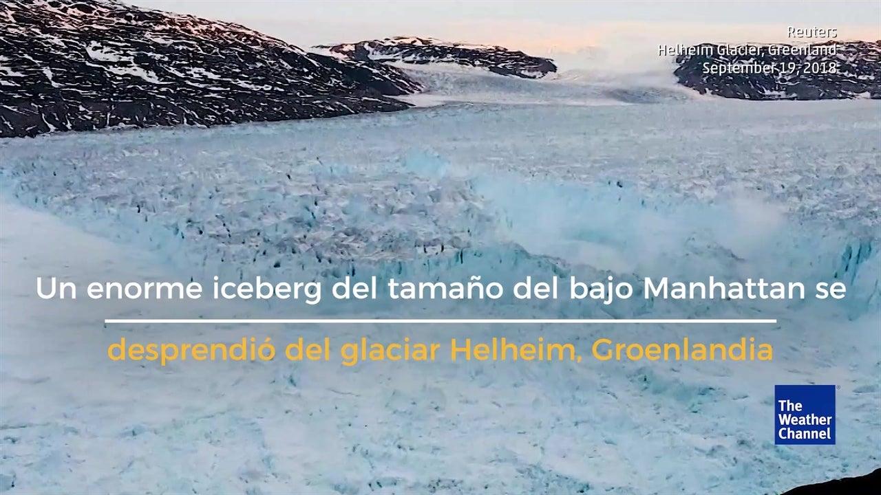 Iceberg se desprende del Glaciar Helheim, Groenlandia