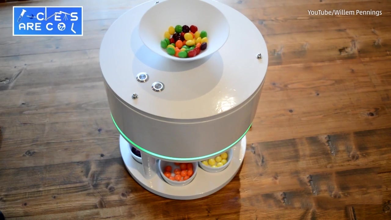 Hobbyist Builds Candy Color-Sorting Machine