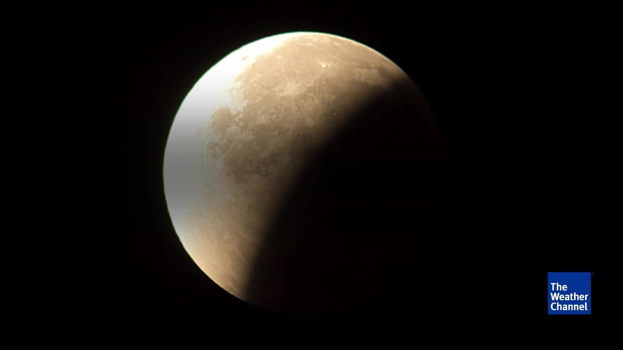 Incredible blood moon to fill night sky