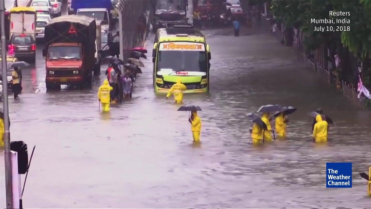 Monsoon rains wreak havoc in Mumbai