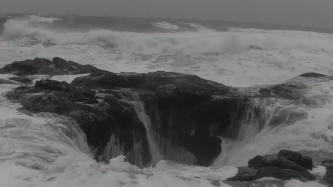 Thor's Well is a Gem of the Oregon Coast
