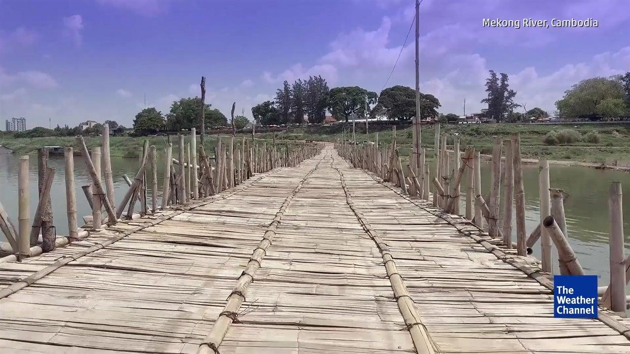 Ponte no Camboja torna-se atração turística