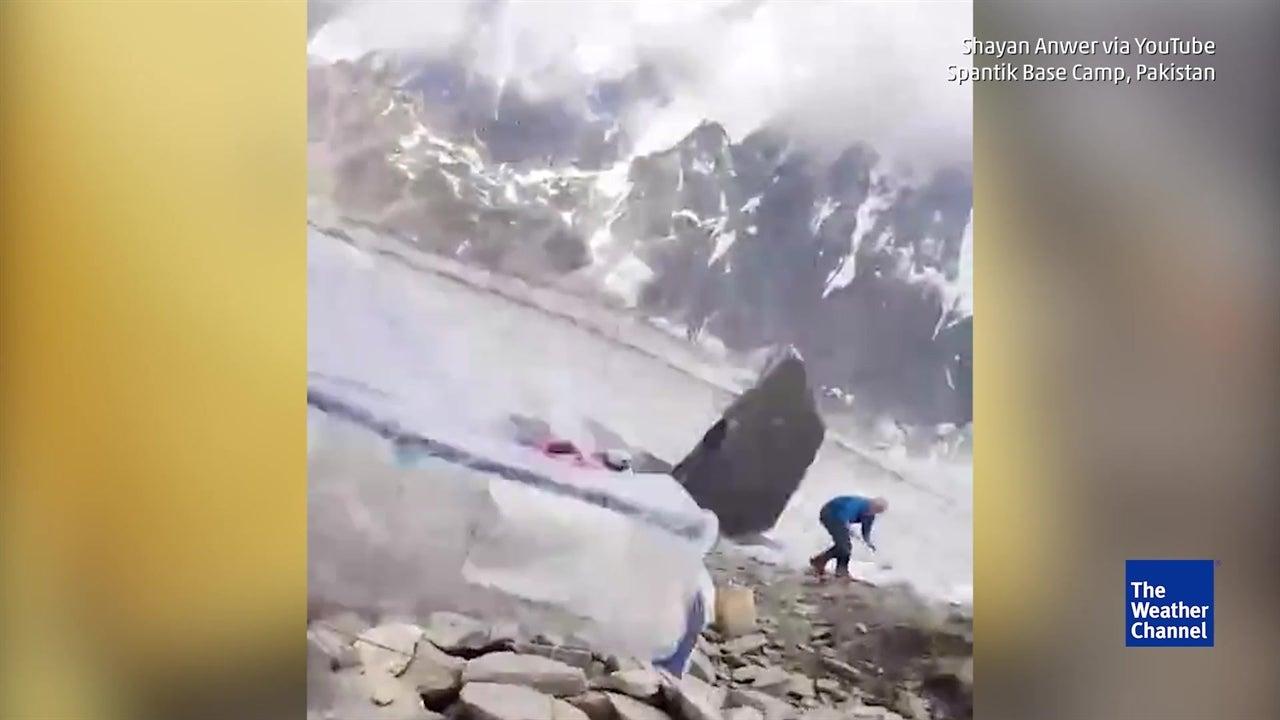 Rocha gigante desprende-se e ameaça alpinistas