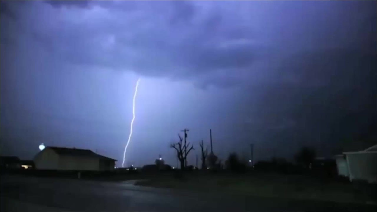 How Many Degrees Is A Bolt of Lightning?