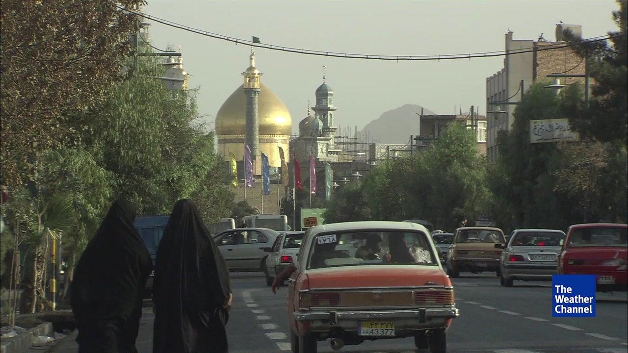 """Eis a razão porque Teerão se está a """"afundar"""""""