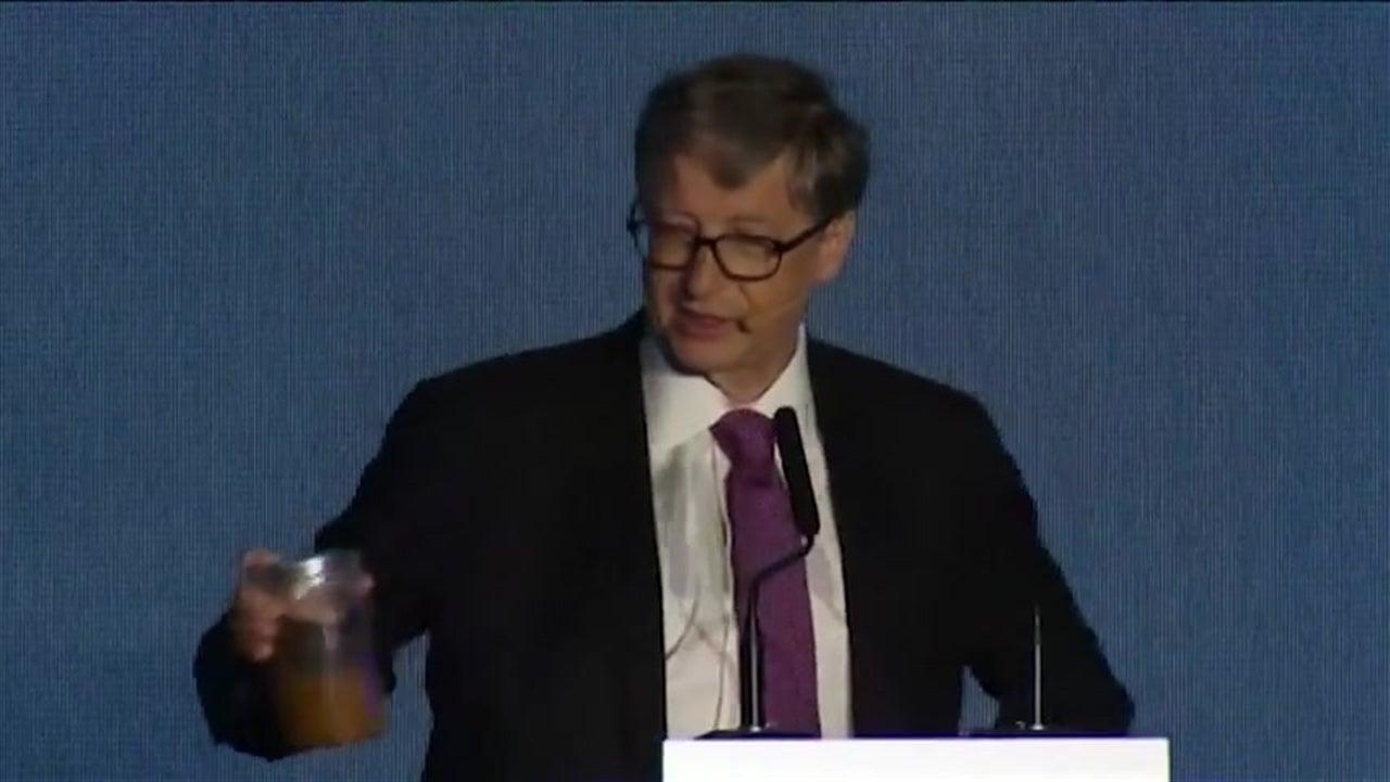 Bill Gates leva fezes a feira de sanitas