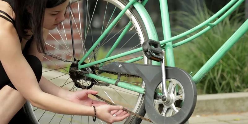 vergessen sie teure reinigungsmittel so reinigen sie eine fahrradkette in sekunden the. Black Bedroom Furniture Sets. Home Design Ideas
