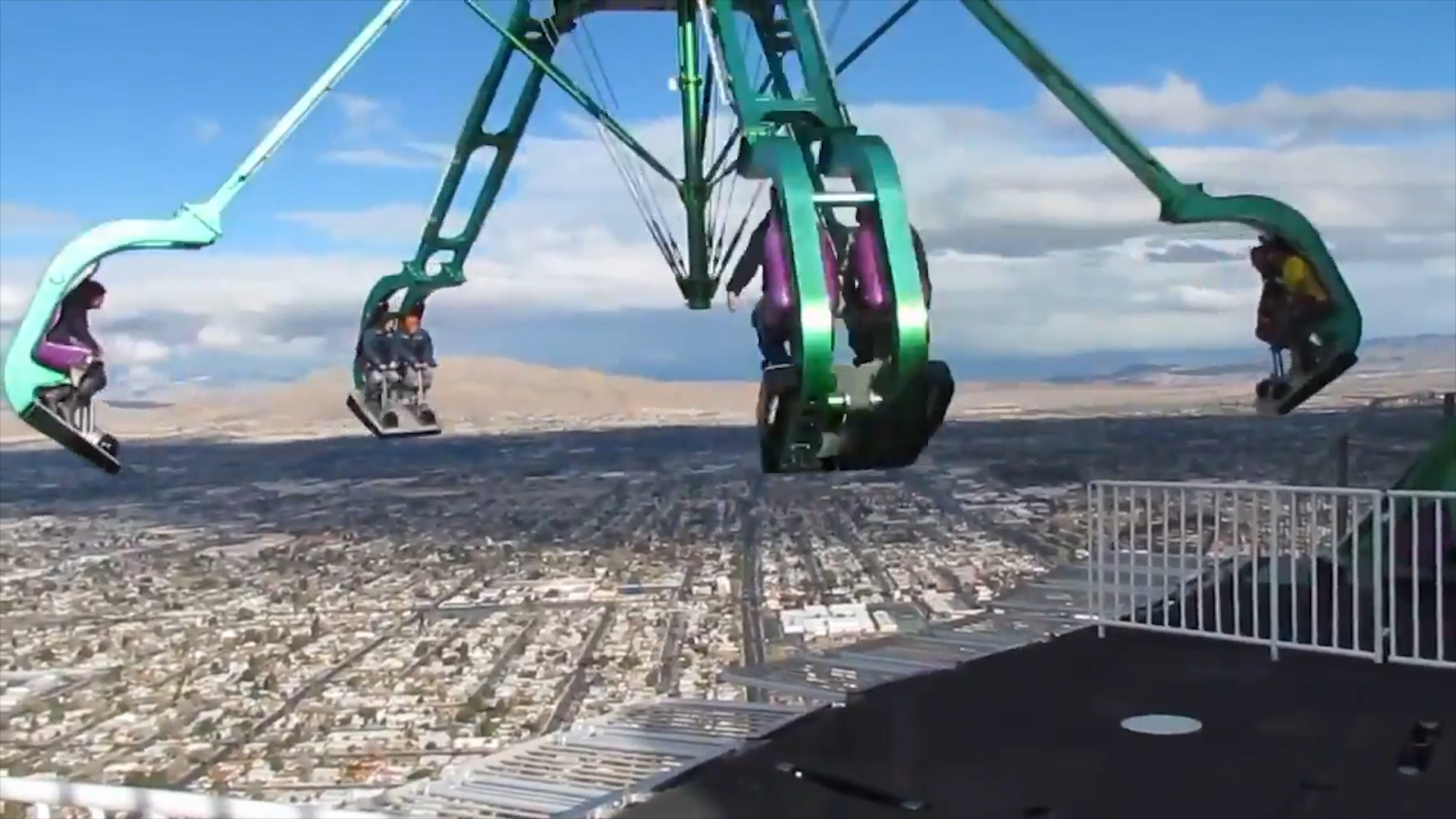 This Ride Spins You 900 Feet Above Las Vegas