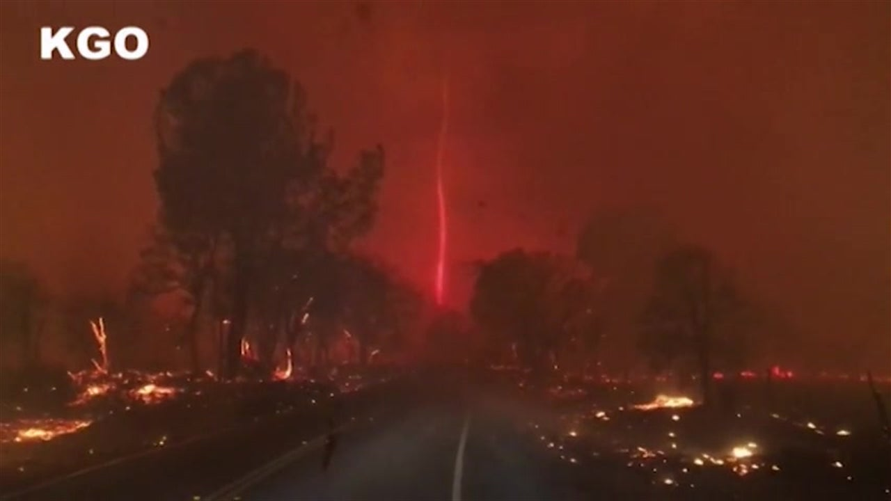 Redemoinho de fogo no incêndio da Califórnia