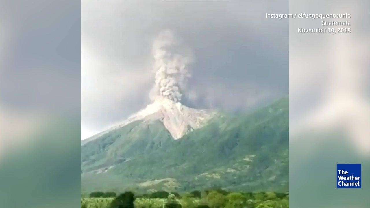 El Volcán de Fuego vuelve a arder