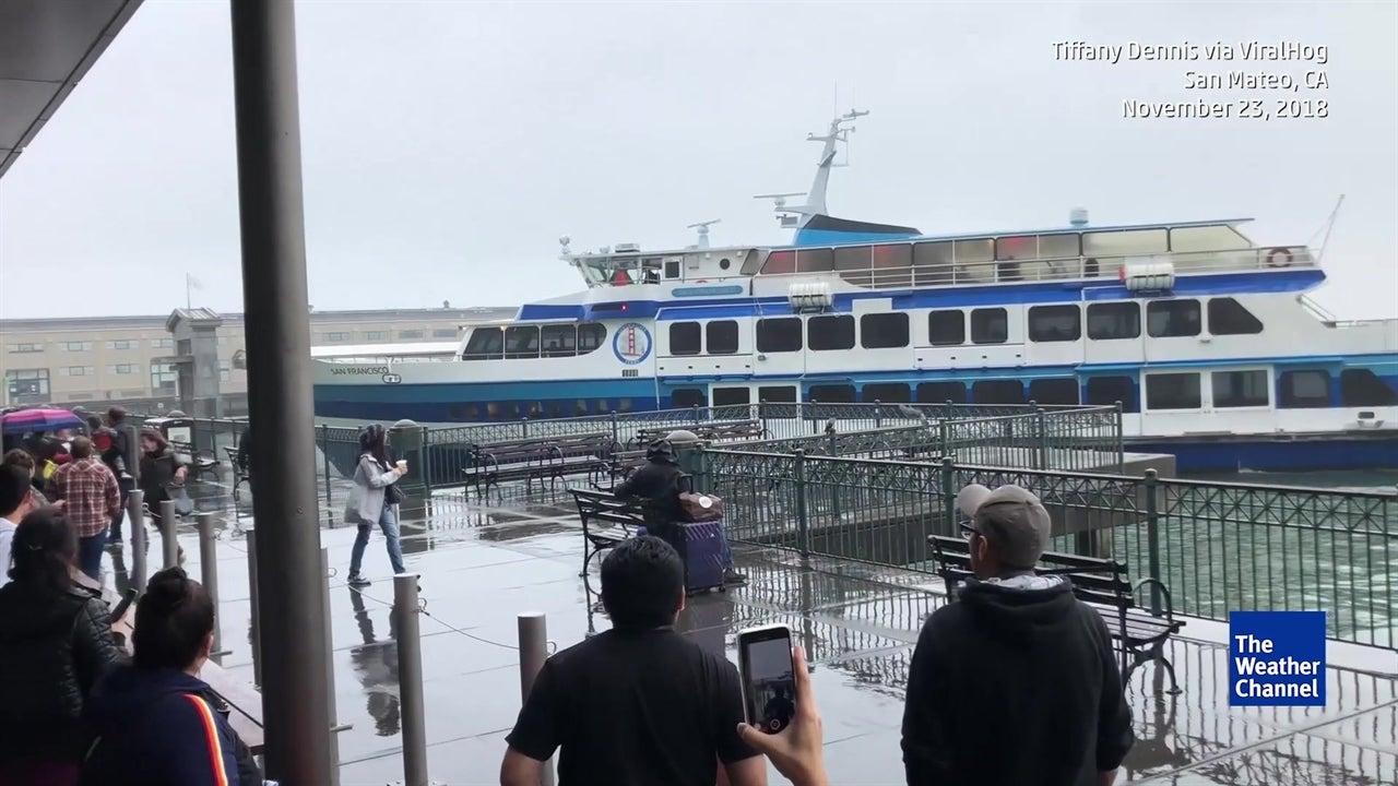 Guardia Costera investiga choque de ferry en San Francisco