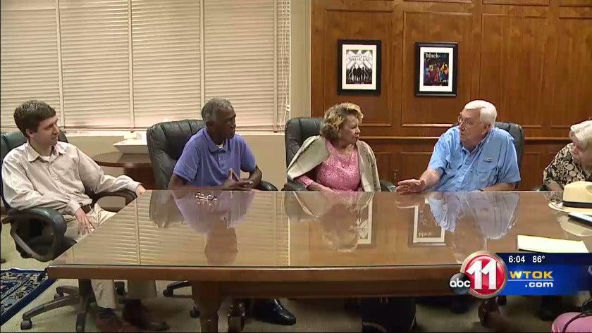 """Lauderdale Co. Democrats unite: """"No endorsements yet"""""""