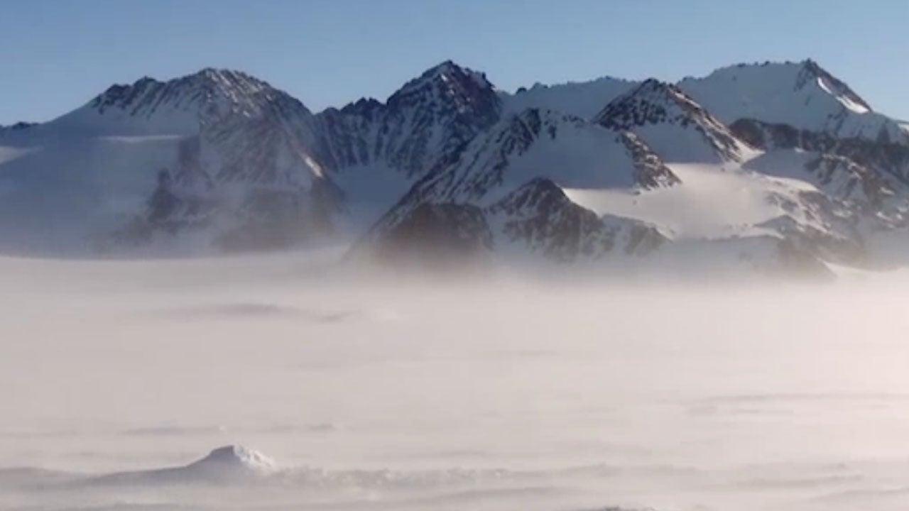 Rätselhaft: Kosmische Strahlung schießt aus Antarktis-Eis